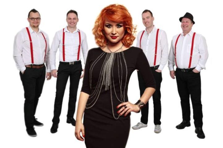 Maja Oderlap in Power Band